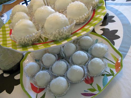 Vanilla Bean Cake Balls