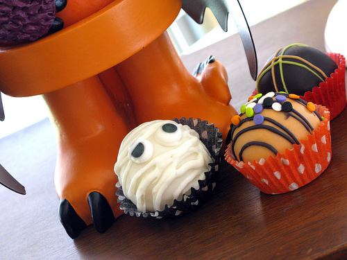 Spooktacular Halloween Cake Balls | Life With Jojo